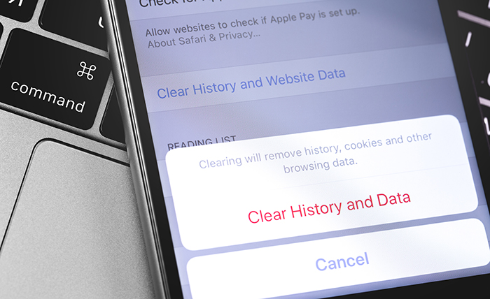 An iPhone being cleared of all caching materials and browsing history.